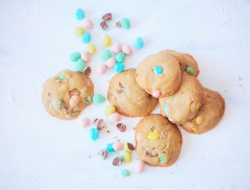 Cadbury mini egg cookies, the perfect Easter weekend treat!