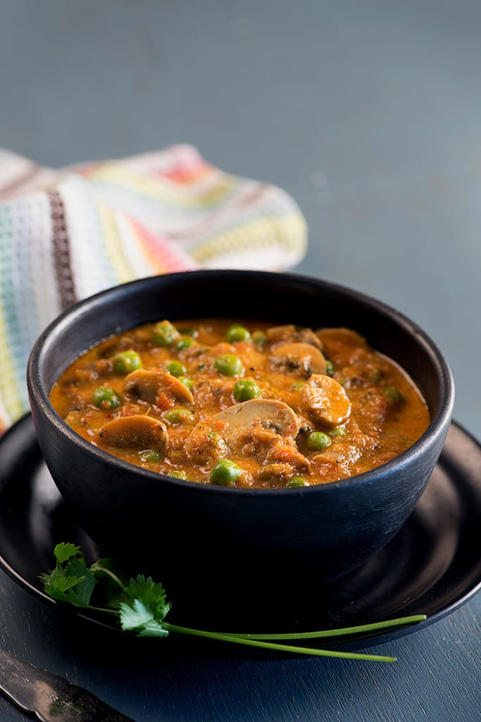 Matar mushroom curry recipe everyday indian food my tasty curry forumfinder Images