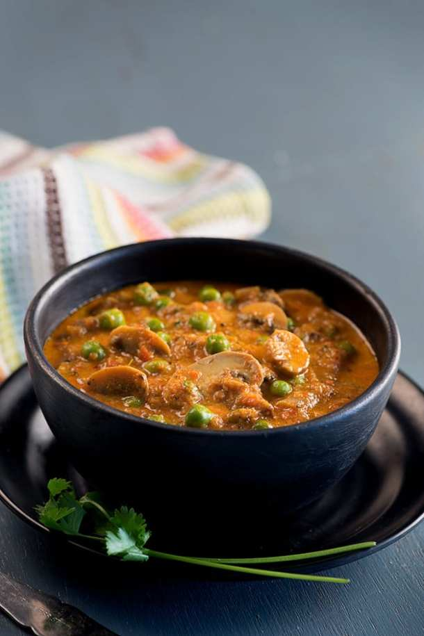 Matar mushroom curry or matar mushroom ki sabzi is very popular Indian curry made with peas and mushrooms.