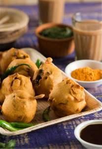Batata Vada Recipe | Famous Mumbai Street Food | Aloo Vada
