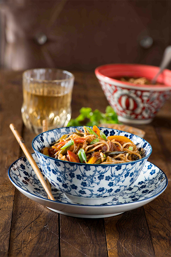 Vegetable hakka noodles indo chinese chow mein my tasty curry vegetable hakka noodles is an indo chinese dish also popularly known as veg chow forumfinder Images