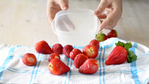 How to Freeze Strawberries in Right Way
