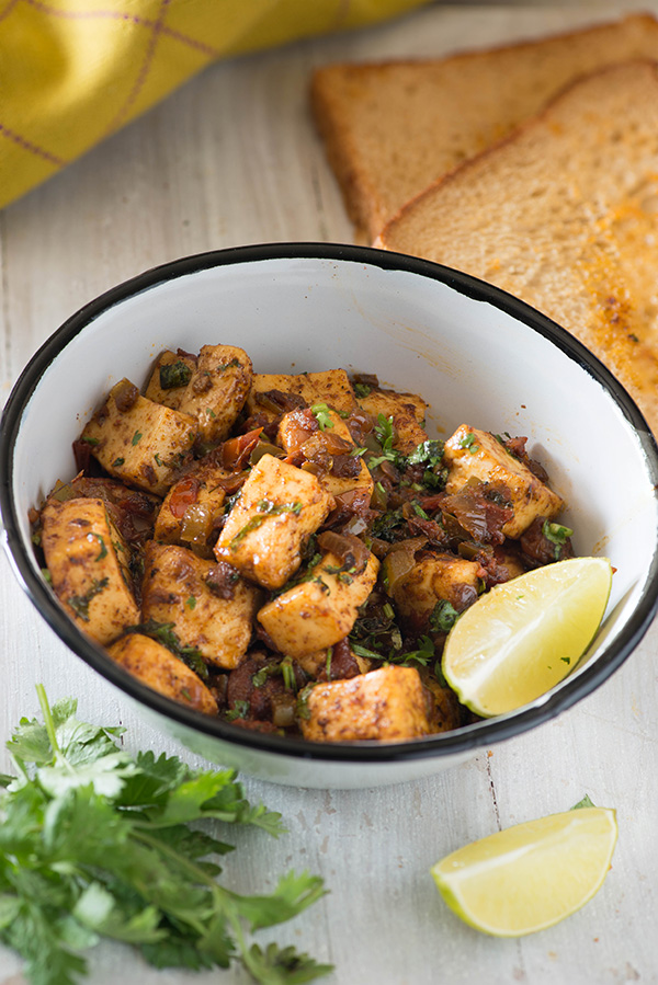 Tawa Paneer recipe which is easy to make tastes delicious and can be made in 20 Minutes. Tawa Paneer dry recipe as the name suggests is made on Tawa/tava which is a griddle with a slight concave surface in the middle.