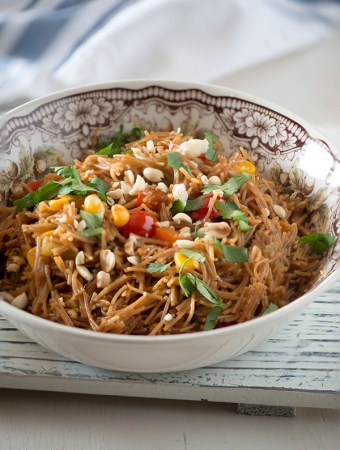 Asian Vermicelli noodle bowls for breakfast. It's a delicious breakfast which is healthy, vegetarian, vegan and very flavourful. It is Made with wheat vermicelli,