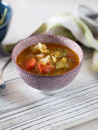 This Vegetable weight loss soup recipe isdelicious, healthy, filling and flavourful.Make this healthy soup in 20Minutes with the help of your pressure cooker or Instant Pot. Gluten-free, Low GI, whole 30 Soup recipe. New recipes in my 20 Minute Meals Recipes.