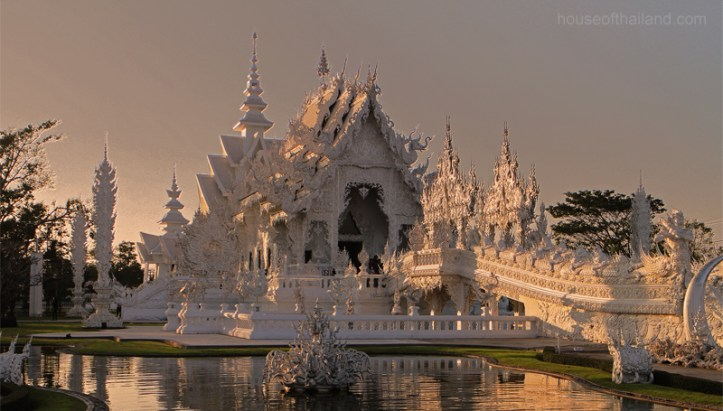 The White Wat of Chiang Rai