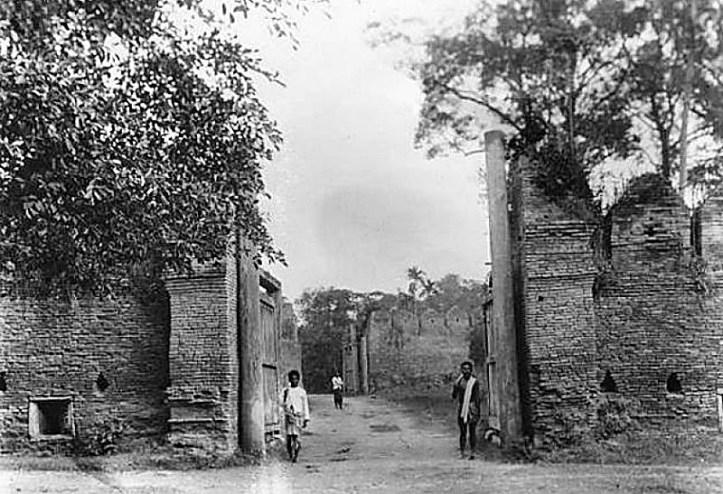 The Tae Pae Gate