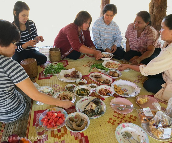 Thai Table Manners-Isan Lunch