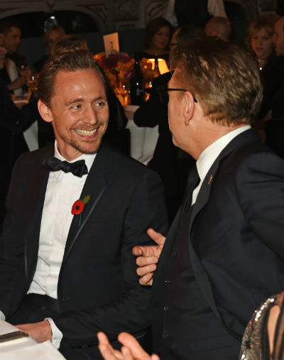 400hiddleston-seateddmb-evening_standard_theatre_awards_inside_ceremony004
