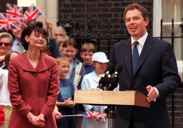 Cherie & Tony Blair arriving at Downing Street in 1997