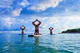 Paddle yoga Bali