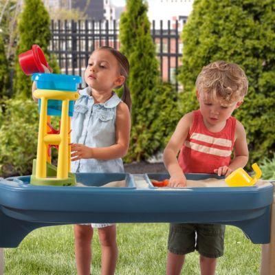 https www mytoys de step2 sand und wassertisch spielkueche all around playtime patio 8681250 html