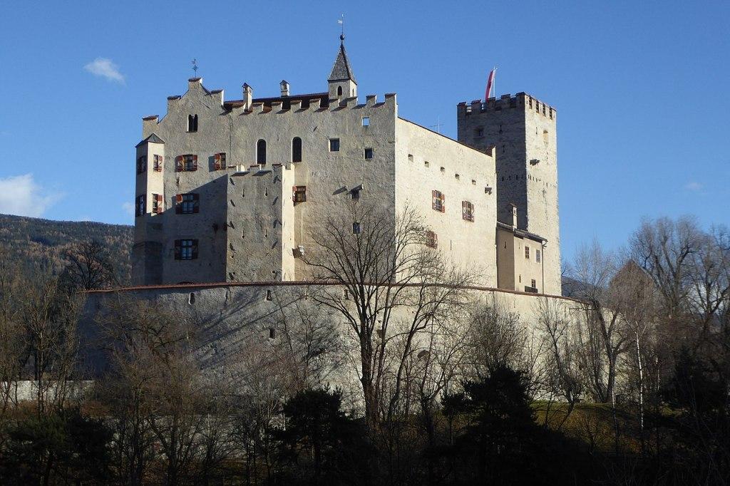 1280px Bruneck Schloss von Westen 7