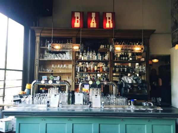 De leukste nieuwe en oude borrelplekken in Amsterdam