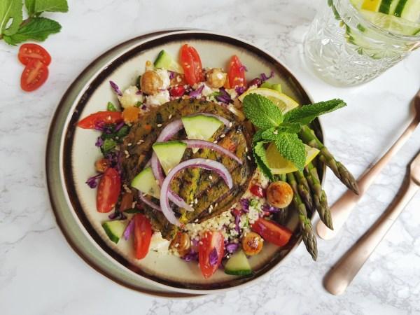 Winterse boerenkoolburgers met een frisse salade