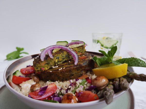 Lekker winters recept boerenkoolburgers met frisse salade