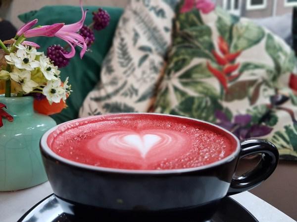 De lekkerste gekleurde koffietjes van Amsterdam