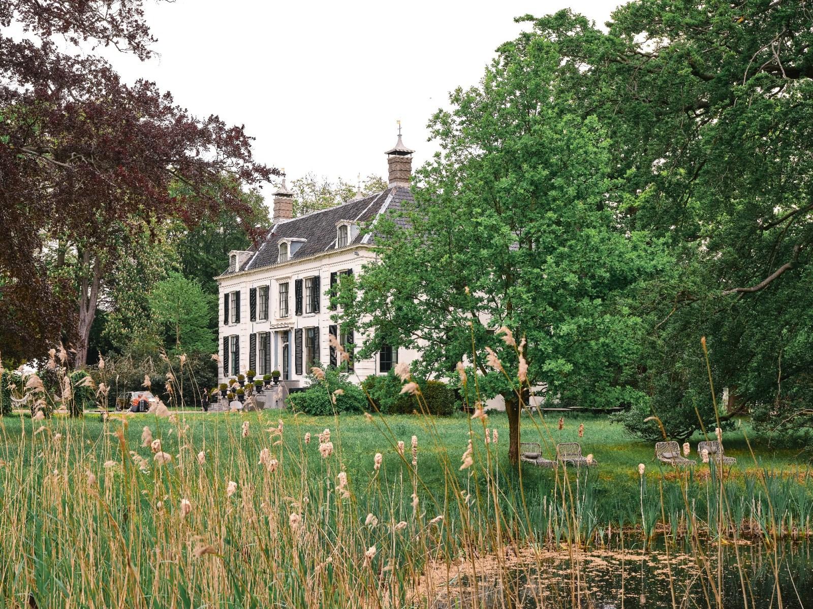 10 x Romantisch en bijzonder overnachten in Nederland