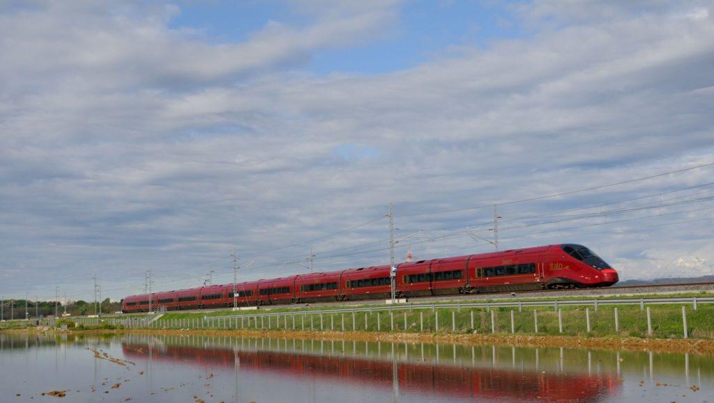 italo_tuscany_by_train.jpg (2048×1157)