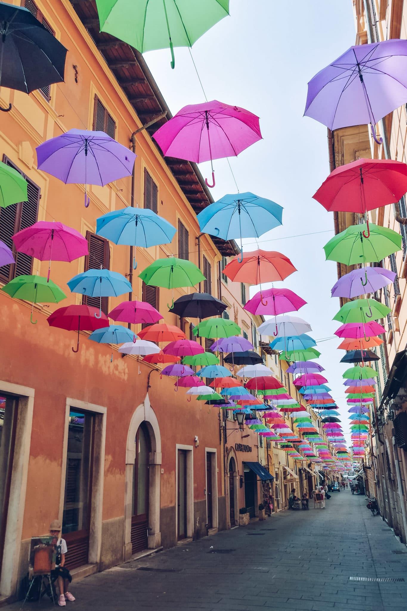 Floating Umbrella in Pietrasanta in Via Mazzini