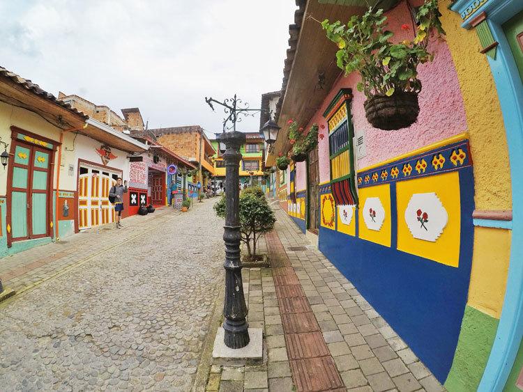 guatape-colombia