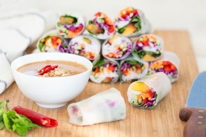 peach-summer-rolls-with-peanut-sauce-1000x667