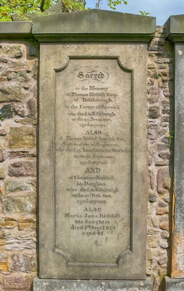 Tom Riddle's grave