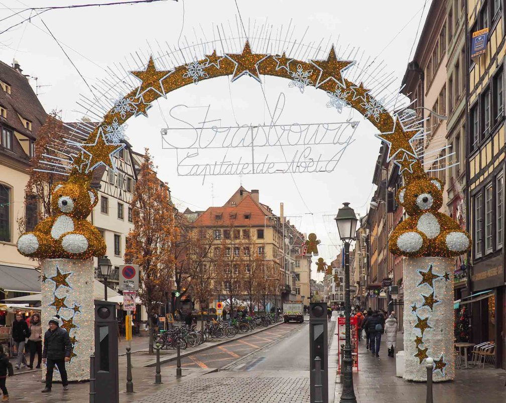 Strasbourg France Christmas Market Hours.Strasbourg Christmas Markets 2019 Dates And Location