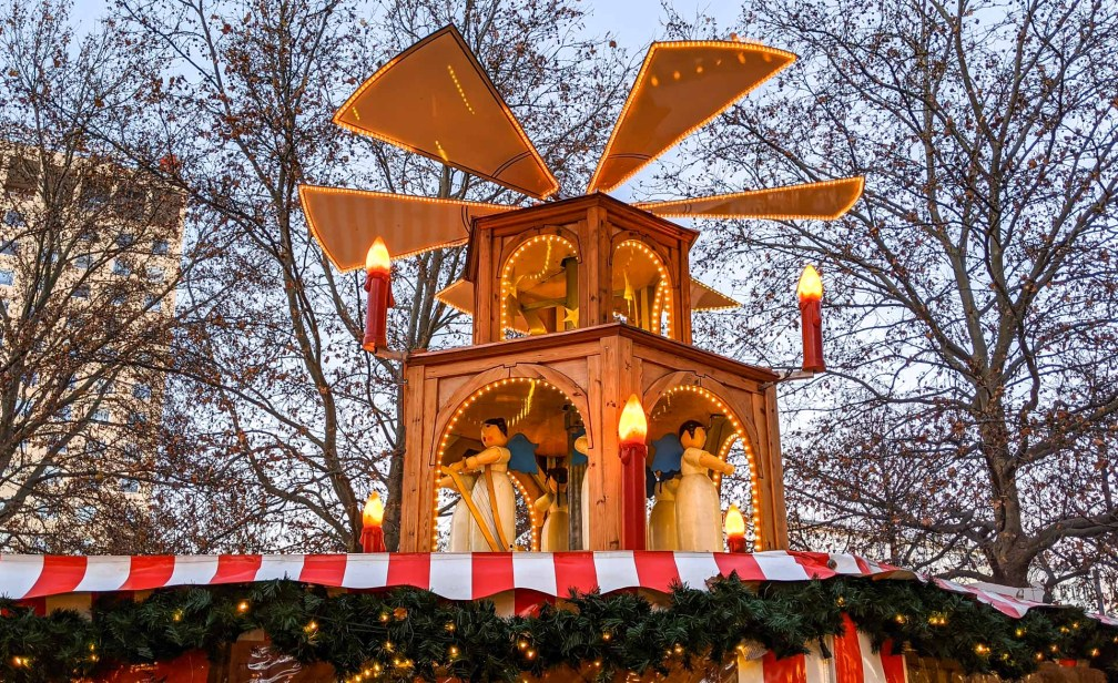 Neuhauser Weihnachtsmarkt Лучшие рождественские рынки в Мюнхене Лучшие рождественские рынки в Мюнхене (путеводитель по 2020 году) munich neuhauser christmas market