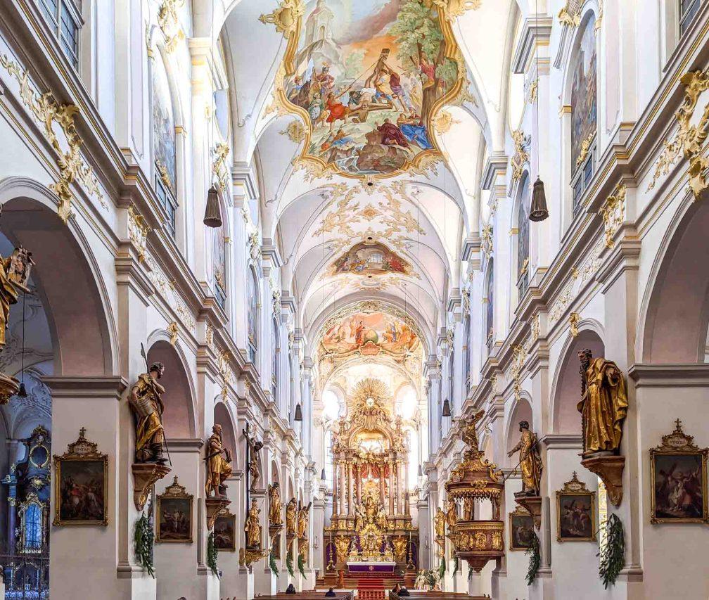 Церковь Святого Петра Идеальный Мюнхенский маршрут Идеальный Мюнхенский маршрут munich peters church
