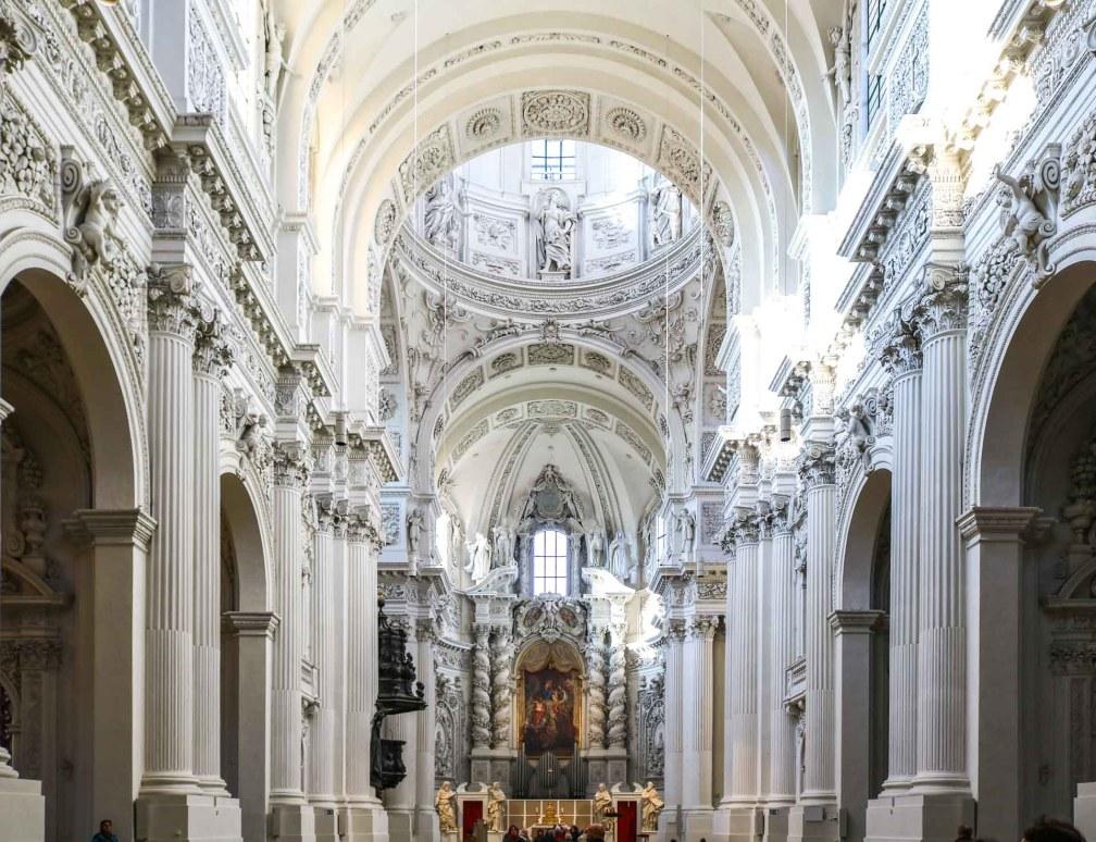 Театральная Церковь Идеальный Мюнхенский маршрут Идеальный Мюнхенский маршрут munich theatine church