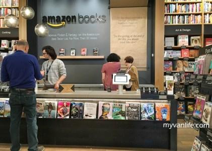 西雅圖旅遊|從線上到線下,拜訪亞馬遜第一家實體書店