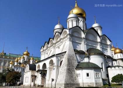 {西伯利亞壯遊記} 之六 洋蔥頭與變異十字架,既陌生又熟悉的東正教