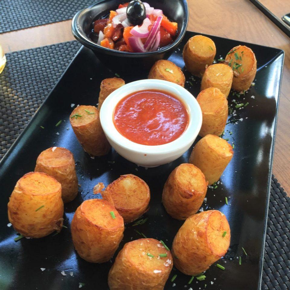 vegan patatas bravas