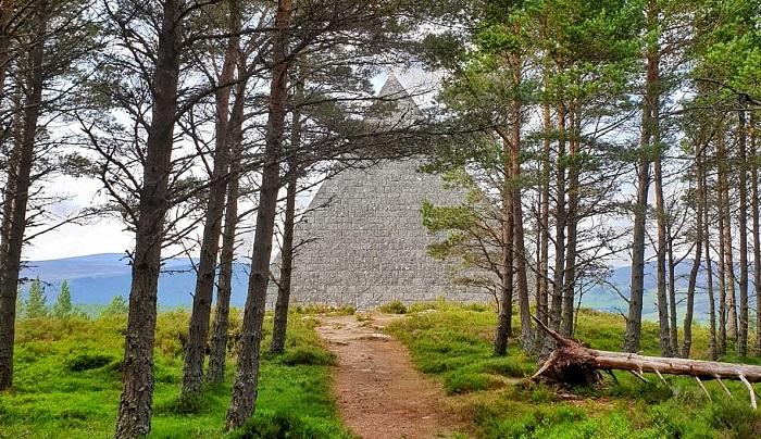scottish pyramid