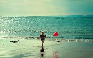 Sunrise-Beach-Sand-Sea-Photography-Kids-Children-Balloons-Little-Girl