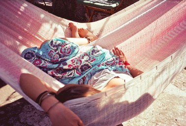 fashion-girl-hammock-summer-favim-com-203951