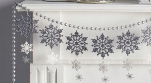 5233860-650-1450249926-Snowflake-Christmas-Garland