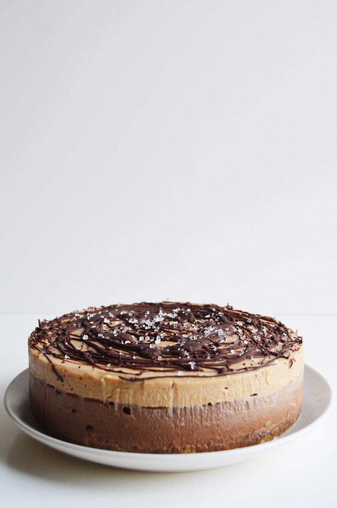 vegan-chocolate-salted-caramel-cheesecake-10