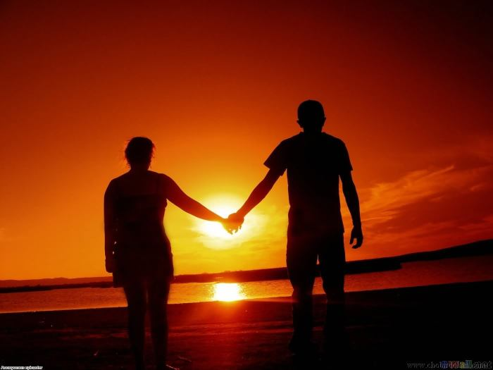 couple_in_sunset_light_1400x1050