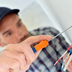 Why You Should Use Commercial Electrical Services for Better Work