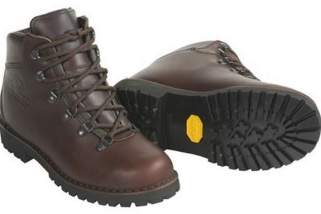3 Best Hiking Boots for Women to Ensure a Safe And Comfortable Hike in The Mountains