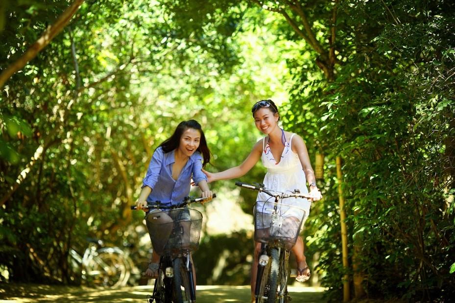 Cycle, Enjoying, fun, women, e-bike, electric cycle,