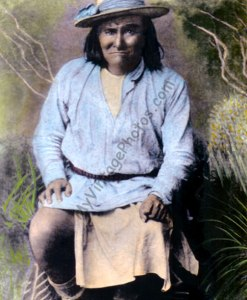 "Geronimo, Chief ""Goyahkla"" Chiricahua Apache Native American Indian"