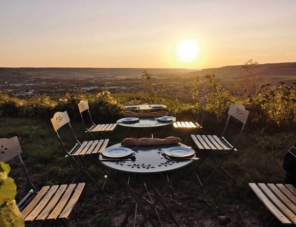 Pique-nique au coucher du soleil - Balades insolites en Champagne en Estafette