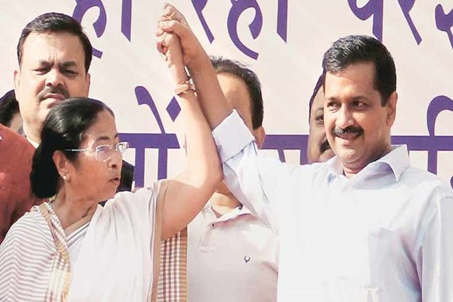 Arvind Kejriwal and Mamata Banerjee - two different stories with the same cautionary political message