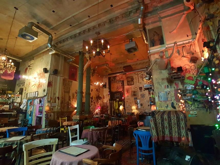 Csendes Letterem Vintage Bar & Cafe Boedapest Hongarije
