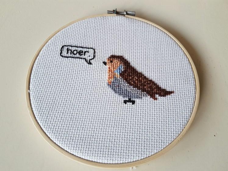 Op een boswc horen vogels