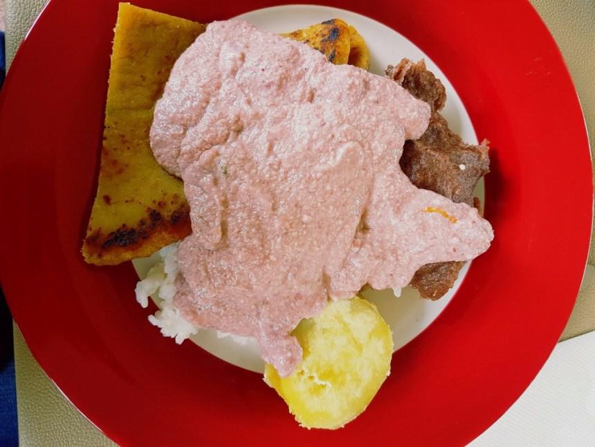 Roze pindasaus Oeganda