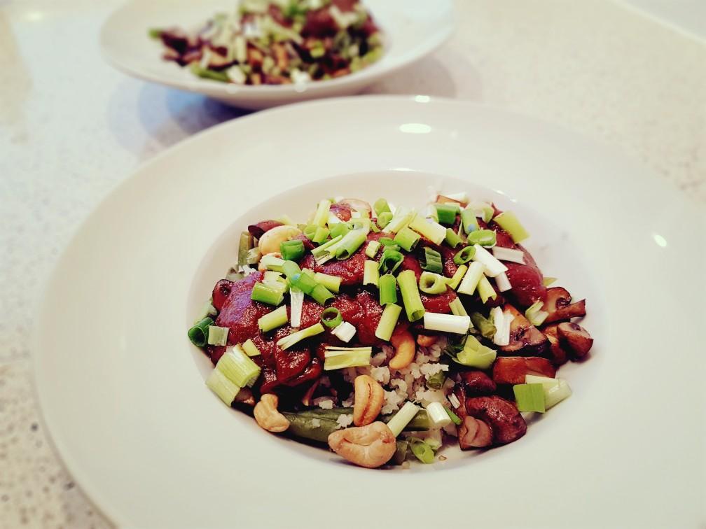 veganistische maaltijd met cashewnoten